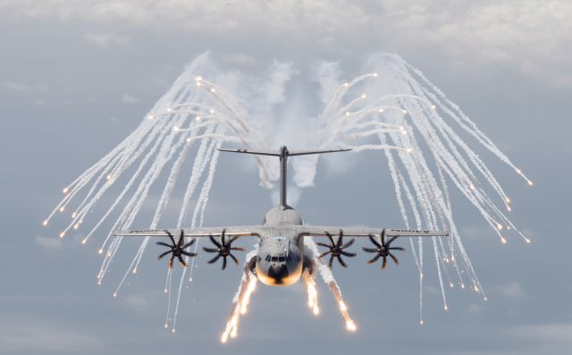 LIMA Lacroix offering advanced spectral decoys for RMAF A400M airlifter 640 001
