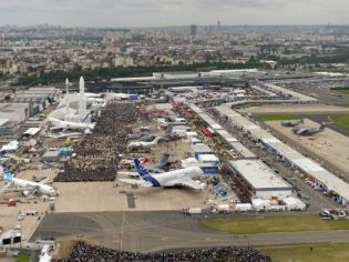 Paris Air Show 2015 Le Bourget  aviation aerospace defence exhibition show daily news coverage report actualités International aviation salon pictures video Paris France information description photos salon aérien