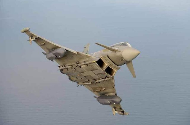 Italy's Alenia Aermacchi has confirmed that the first phase of tests for the integration of the Storm Shadow long-range missile onto the Eurofighter Typhoon has been completed.