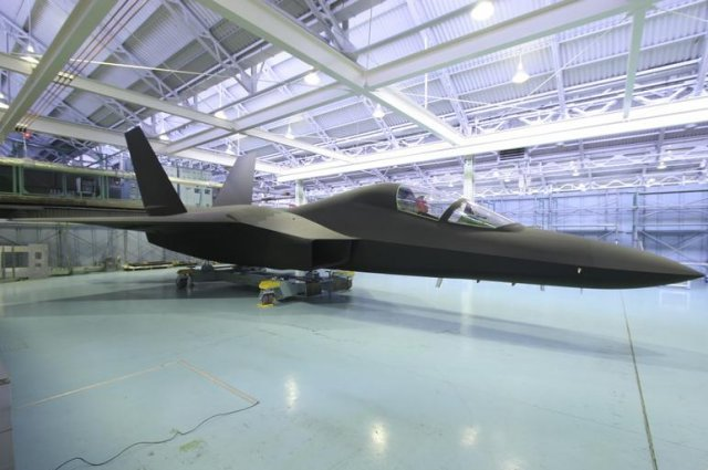 Japan plans to test fly home made ATD X stealth fighter prototype in early 2016 640 001