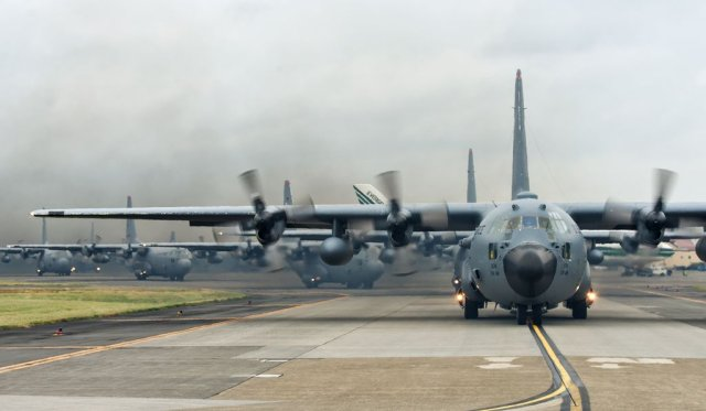 Raytheon to upgrade radio communications systemsof USAF C 130H military airlifters 640 001