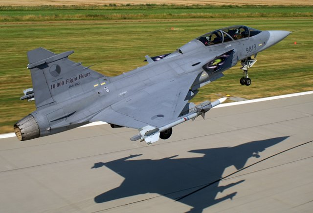Saab offers Gripen local production and technology transfer to India 640 001