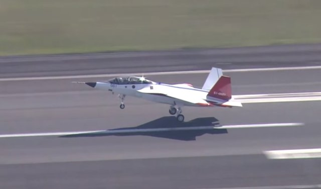 Japan X 2 fighter jet prototype took to the skies 640 001