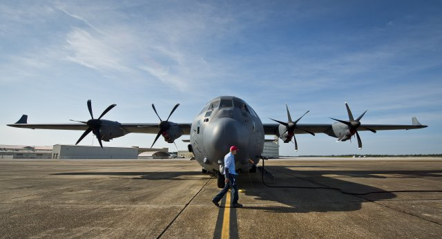USAF tests fuel saving winglets on MC 130J Commando II aircraft 640 001