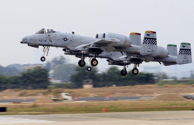 US to deploy more military aircraft in the Philippines 640 001