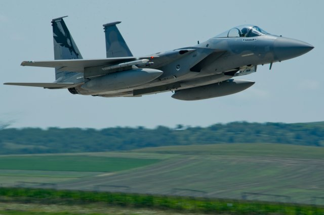 USAF will send F 15 fighter jets in Bulgaria for air policing mission 640 001