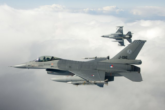Dutch F 16 fighter jets bombed Daesh positions for the first time 640 001