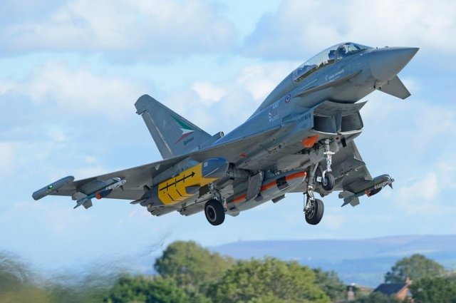 Eurofighter Typhoon successfully completes further Storm Shadow and Meteor missiles  trials 640 001