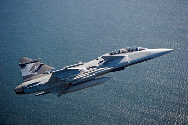 Finmeccanica to provide IFF systems for Brazilian and Swedish Gripen NG fighter aircraft 640 001