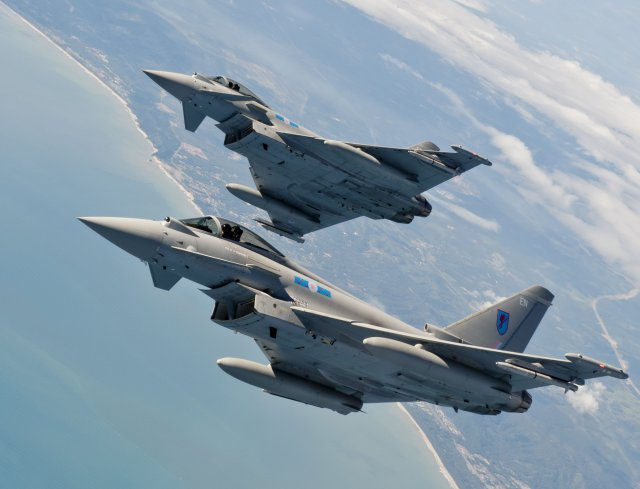 UK plans to create a Top Gun style unit for RAF s pilots 640 001