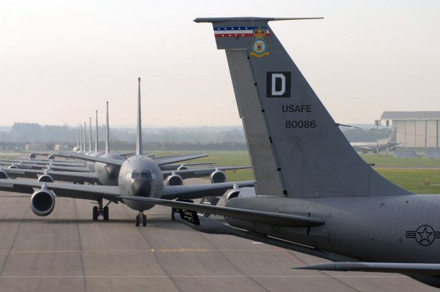 USAF deploys KC 135 tanker aircraft in France to support Operation Juniper Micron 640 001