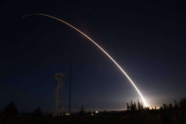 US Air Force test fires its second Minuteman III intercontinental ballistic missile in a week 640 001