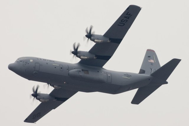 PACAF first C 130J Super Hercules airlifter landed at Yokota AFB 640 001