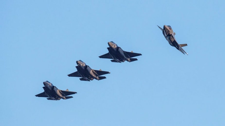 UK first four F 35B fighter jets come ome to RAF Marham 001