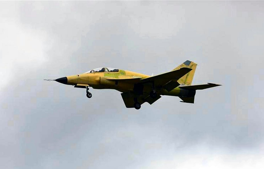 China FTC 2000G fighter jet completes maiden flight 001
