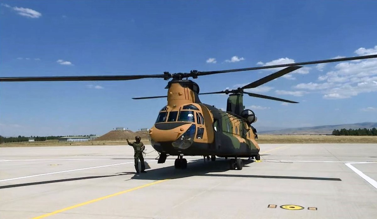 Turkey receives 7th CH 47F Chinook transport helicopter 001