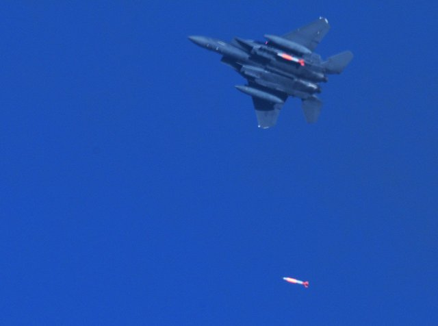 USAF achieves final development flight test of a B61 12 nuclear gravity bomb 640 001