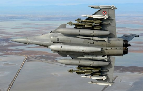 The RAFALE has successfully completed its first test flights in a new heavily-armed configuration, comprising six air-to-ground precision AASM Hammer missiles four medium and long range air-to-air missiles from the MICA family, two very long range METEOR missiles, as well as three 2,000 liter fuel tanks.