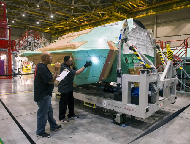 Northrop Grumman achieves center fuselage for Japan s first F 35A Lighting  II fighter aircraft 640 001