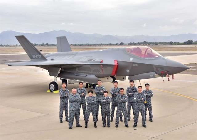 Japan took delivery of its first F 35A fighter jet 640 001