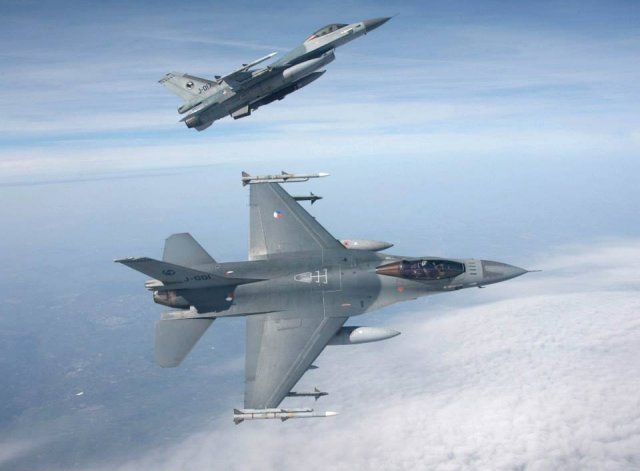 Dutch governement approves airstrikes against Daesh in Syria 640 001