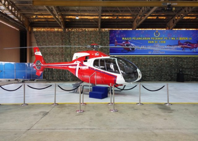 Malaysia beefs up pilot training capabilities with new H120 and PC 7 MkII aircraft 640 002