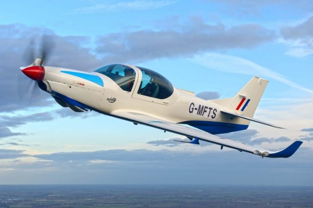 UK receives two first Grob G120TP trainer aircraft from Affinity 640 001