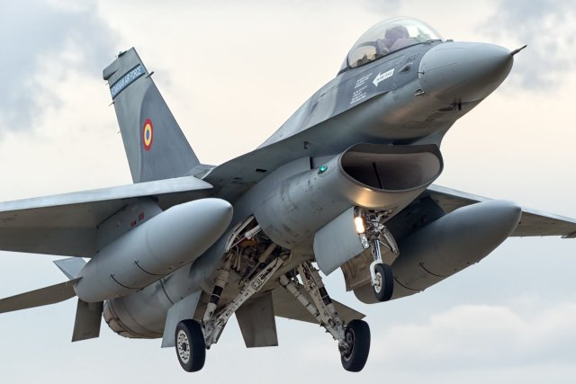 Lockheed Martin to provide Romania with F 16A B Block 15 training system 640 001