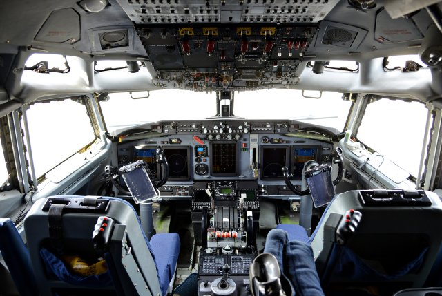 USAF receives first E 3 Sentry aircraft fitted with DRAGON glass flight deck modification 640 002