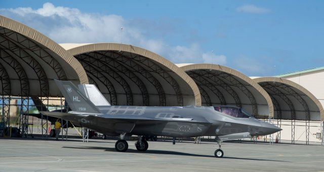 US Air Force F 35A makes first operational deployment to Pacific 640 001
