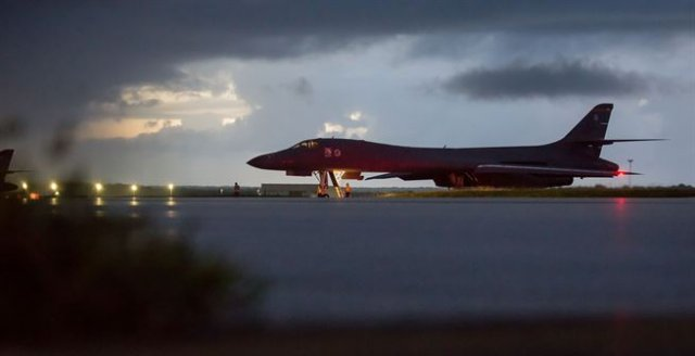 US Air Force sends B 1B strategic bombers off North Korea s east coast 640 001