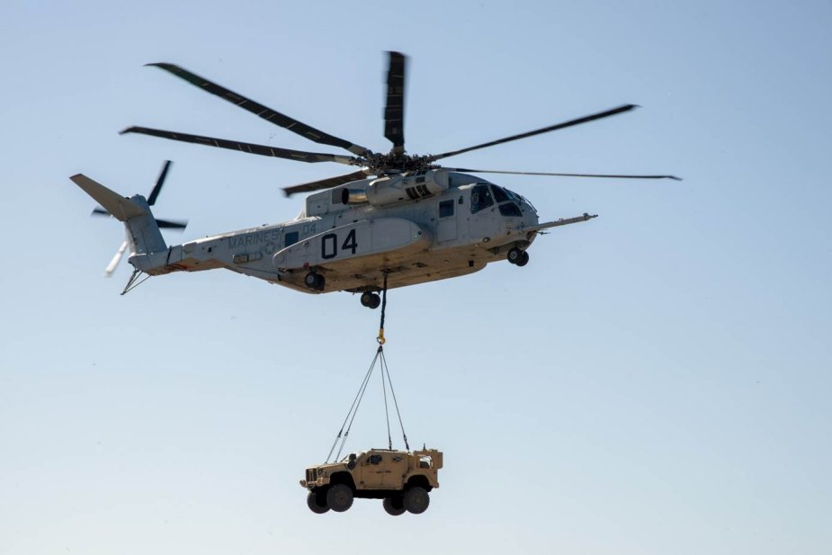 USMC CH 53K successfully demonstrates JLTV vehicle lift 001