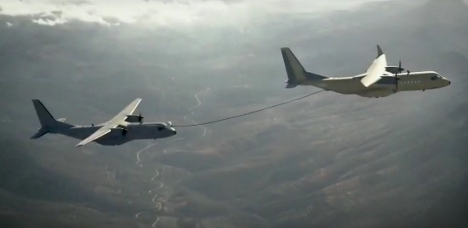 Spanish Air Force and Airbus continue C 295 in flight refueling tests