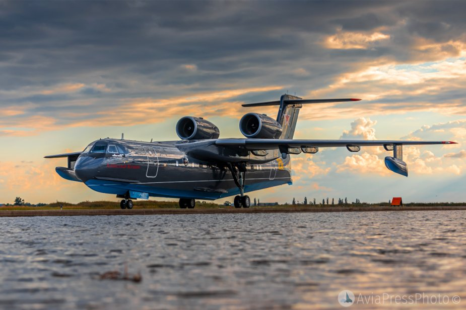 Russian Navy receives its first Be 200ES amphibious aircraft 925 001