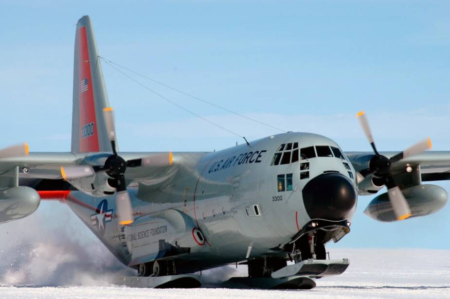 US 109th Airlift Wing deploys LC 130J Super Hercules to New Zealand for emergency missions to Antarctica 2