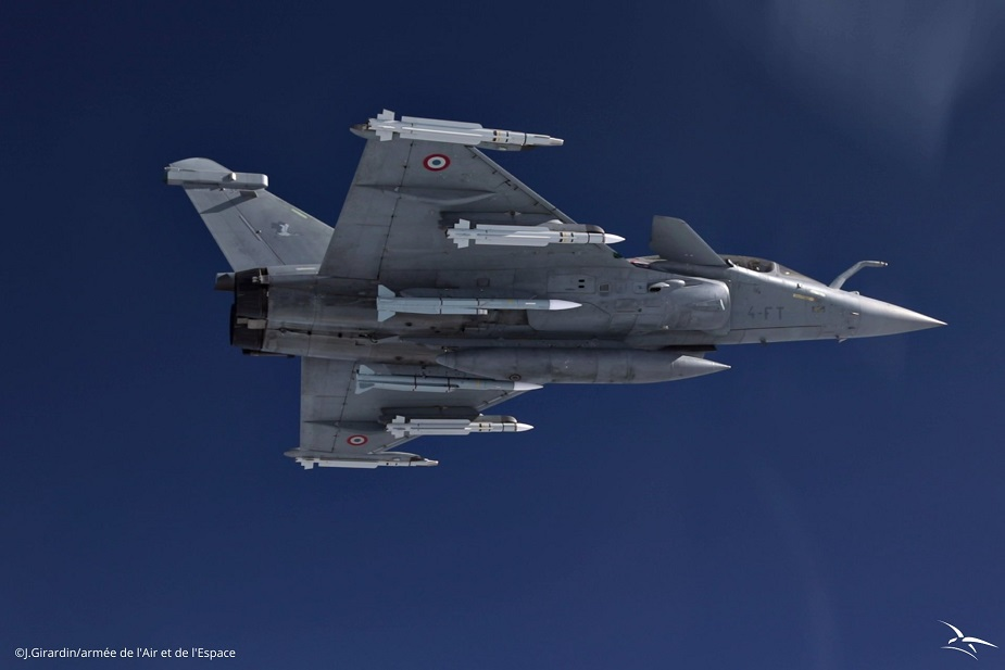 Rafale fighter jet equipped with METEOR missile makes first operational flight 01